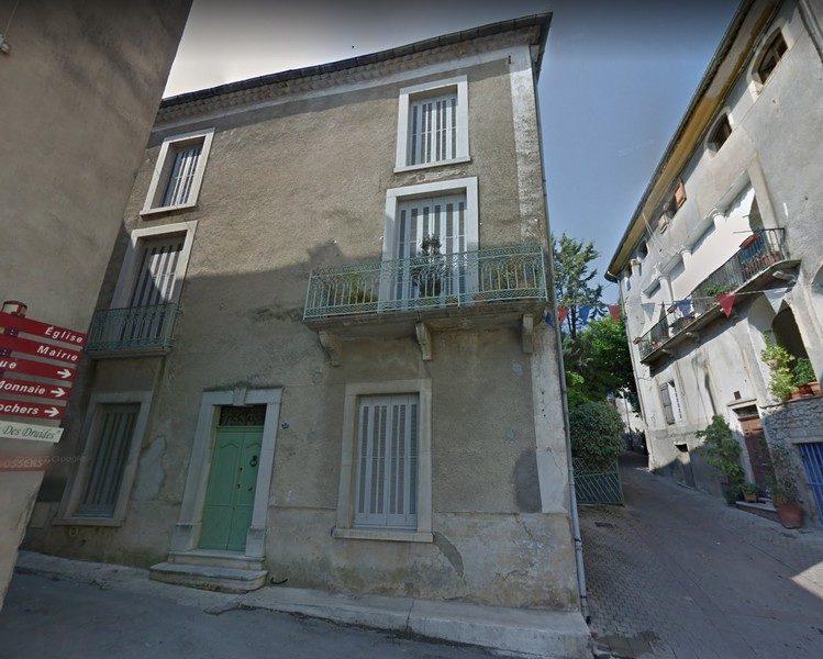 facade-749x600.jpg
